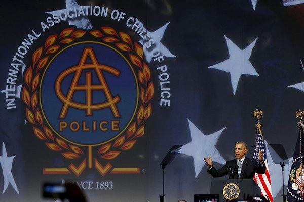 944151_1_USA-OBAMA-Police_standard