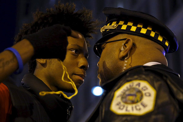 957397_1_0110-police-black-Chicago_standard